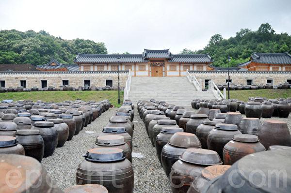 Lohas Park韩屋村是大量制造大酱的地方 (摄影: 明国/大纪元)