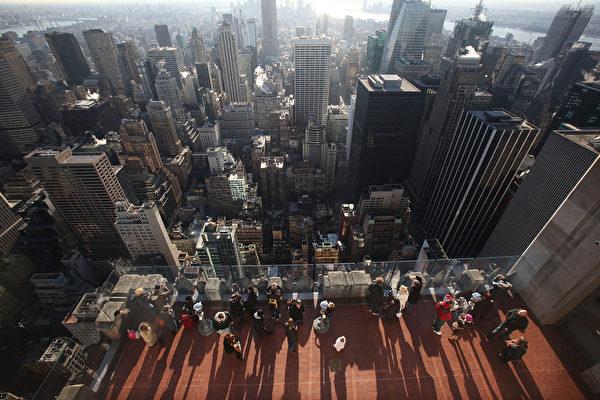 """美国富人为何刻意""""藏富"""",而不是""""炫富""""?图为纽约摩天大楼。(Mario Tama/Getty Images)"""