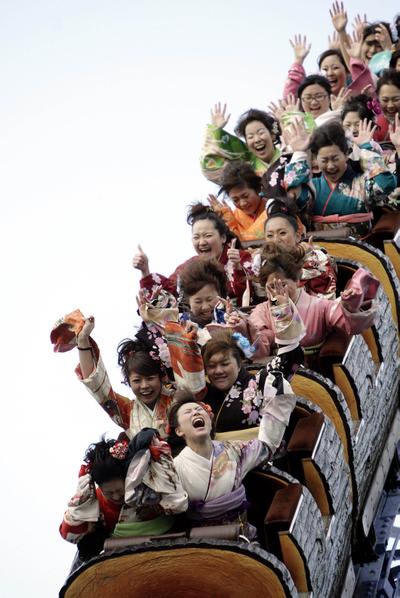 东京迪士尼乐园游乐设施 (Yoshikazu TSUNO/AFP)