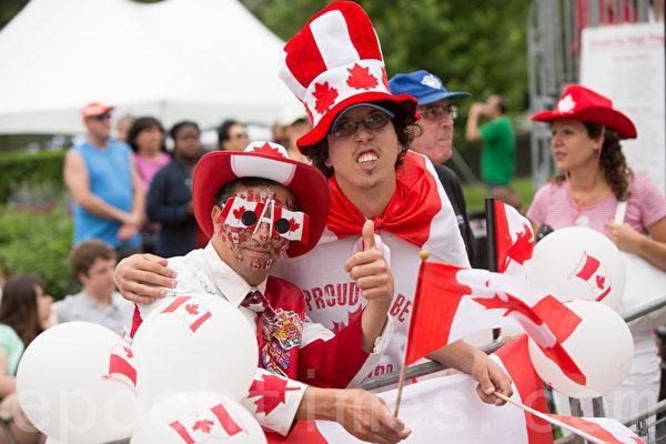 加拿大國慶日 政要民眾共享受自由