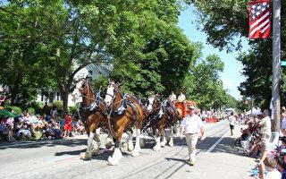 第228届布里斯托镇全美国历史最悠久的独立日庆祝游行。(摄影﹕秦川/大纪元)
