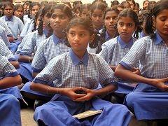 印度数万名学生集体学炼法轮功(图片来源:明慧网)