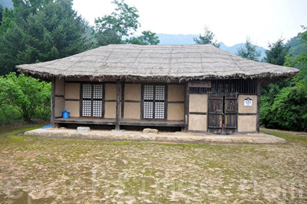锦山郡的开参阁是由当地人在1983年所修建的 (摄影:明国/大纪元)