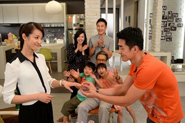 藝人賴雅妍在劇中搞笑功力受肯定,最終情歸楊一展。(圖/三立提供)