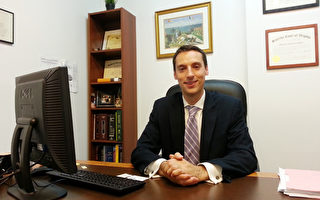 爱德华·古奇律师楼移民律师Michael J. Campise(摄影:艾伦/大纪元)