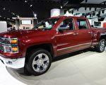 美國7月份新車銷量增速到接近2007年銷量水平。根據Autodata資料,美國7月新車銷售增長14%,售出了超過130萬輛轎車和卡車。圖為雪佛蘭輕型皮卡載貨車(pickup truck)。資料圖片。(Stan HONDA/AFP)