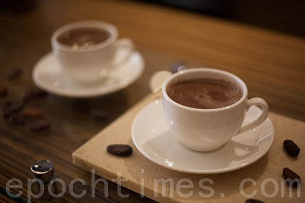可可欧现煮香浓巧克力可可饮。(庄孟翰/大纪元)