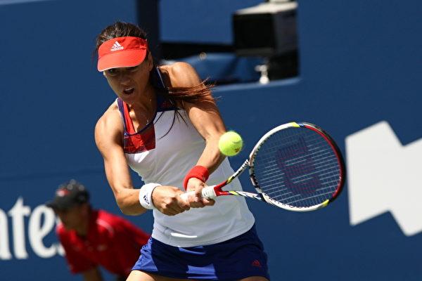 8月10日,网坛黑马罗马尼亚的瑟丝蒂力克李娜,进入罗渣士杯决赛。(摄影:艾文/大纪元)