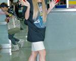 倖田來未抵達台北松山機場。(攝影:黃宗茂/大紀元)