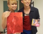 林宥嘉與倖田來未在休息室相見歡。(圖/華研提供)