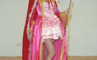 台名模賴琳恩化身公主 街頭演出宮廷圓舞曲
