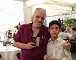 杨亮俞邀美国大导演阿贝尔‧费拉拉(Abel Ferrara)看首映。(图/海鹏提供)
