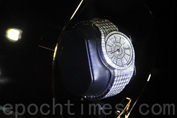 值港币620万元的伯爵(Piaget)Limelight Gala 18K 白金名贵腕表。(宋祥龙/大纪元)