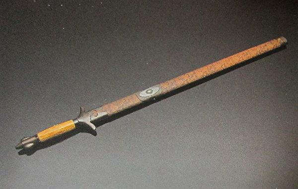 历代十大名剑系列-太极剑(国立历史博物馆)。(钟元翻摄/大纪元)