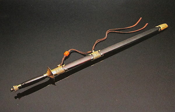 历代十大名剑系列-青萍剑(国立历史博物馆)。(钟元翻摄/大纪元)