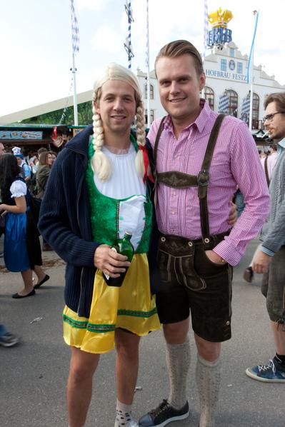 瑞典人来品尝德国啤酒 (黄芩/大纪元)