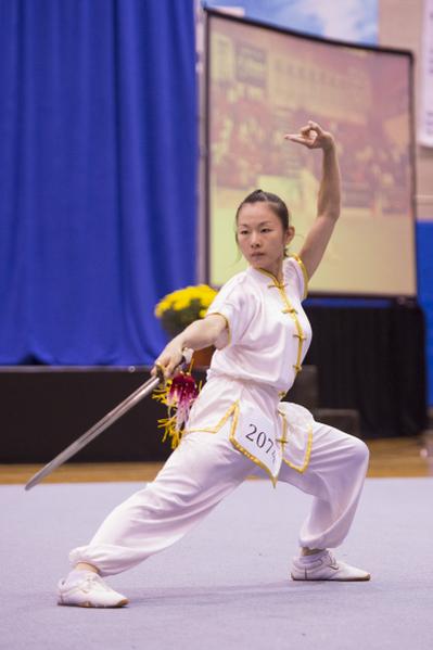 """新唐人第四届""""全世界华人武术大赛""""来自台湾的温青倪获得女子器械组的银奖。(戴兵/大纪元)"""