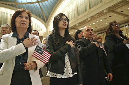 专家分析,川普接任后,作为总统,利用其行政权利能够贯彻许多他承诺的移民政策改革。(Getty Image)