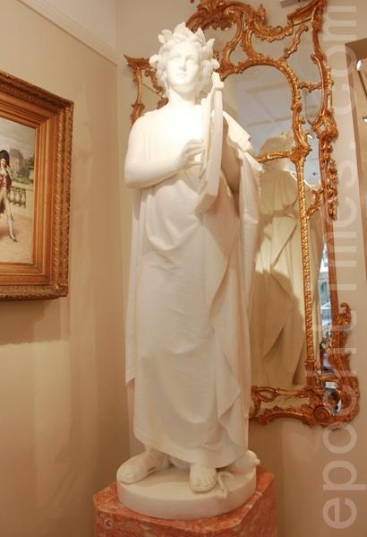 在倫敦梅費爾藝廊 走近新古典主義雕塑