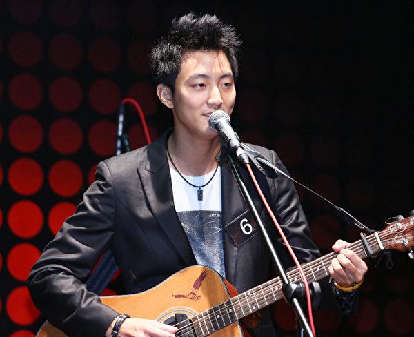 「音樂無界 夢想海闊天空─軒尼詩V.S.O.P & Sony Music 2013網路選秀」大賽日前在台灣決選結果出爐,由許書豪奪冠。(索尼音樂提供)