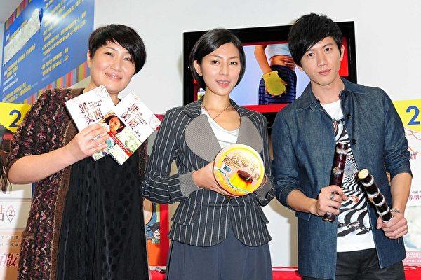 """素有""""金钟编剧""""美誉的徐誉庭(左),对于台视《罪美丽》能够获得六项入围感到相当兴奋。(台视提供)"""