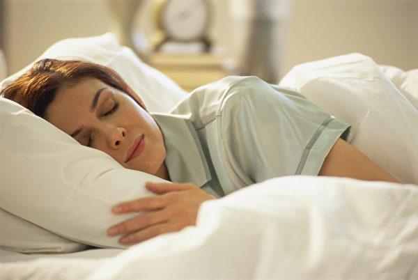 睡眠不够与过多都无益健康,睡眠品质比时间重要,预防糖尿病需睡足6个小时。(大纪元资料图片)