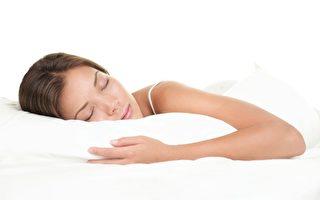 最新一項研究報告指出,睡眠改善或有助於預防阿茲海默症。(Fotolia)