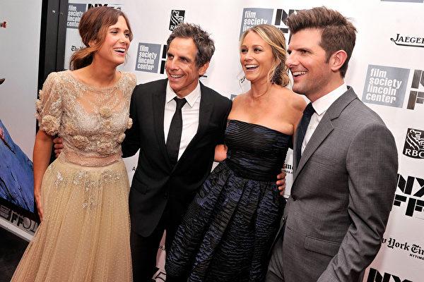 10月5日紐約影展《白日夢想家》特映會,左起:克里斯汀•韋格,本•斯蒂勒和妻子克里斯蒂娜•泰勒,亞當•斯科特。(Stephen Lovekin/Getty Images)
