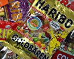 """哈利波小熊软糖不仅在德国家喻户晓,也是世界闻名品牌。其创始人之一""""哈利波先生""""15日去世,享年90岁。(PATRIK STOLLARZ/AFP/Getty Images)"""