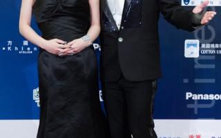 歌手翁立友与温岚担任颁奖典礼压轴演唱嘉宾。(陈柏州/大纪元)