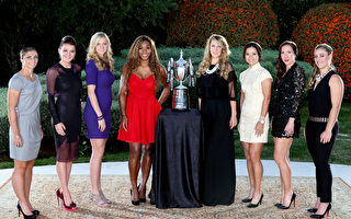 參加今年WTA年終總決賽的八國女將,左起:埃拉妮(意大利)、A-拉德萬斯卡(波蘭)、科維托娃(捷克)、小威廉姆斯(美國)、阿扎倫卡(白俄羅斯)、李娜(中國)揚科維奇、(塞爾維亞)、科貝爾(德國)。(Photo by Matthew Stockman/Getty Images)