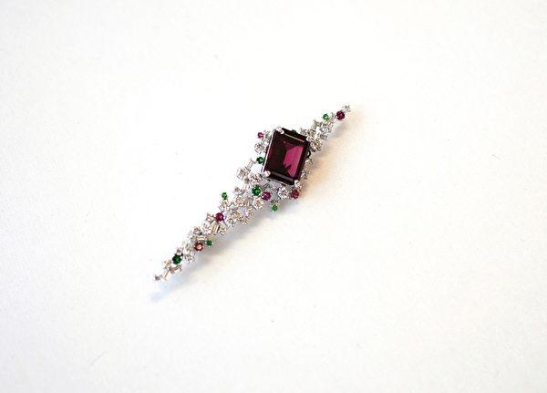 日本BENE珠宝公司把旧饰品翻新,让珠宝重放光芒。(日本BENE珠宝公司提供)