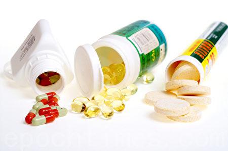 CDC专家表示,人们过度使用和滥用抗生素助长了细菌的耐药性,现在终结抗生素已成为千真万确的事!(Fotolia.com)