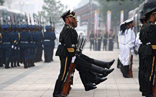 11月18日,香港媒體放風,中共軍隊將有大動作,總裝備部與總後勤部將合併,組建新的總後勤裝備部。另外,中共會重新劃分軍區,濟南軍區可能被撤,原有七大軍區可能合併為六大軍區。(AFP)