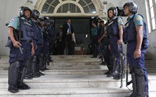 11月5日孟加拉法院裁定,超過300名在2009年的軍事政變中的士兵,至少150人被叛死刑,另有100多人終身監禁。AFP PHOTO