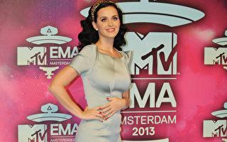 11月10日,美国歌手凯蒂•佩芮获MTV欧洲音乐奖最佳女歌手奖。(JOHN THYS/AFP/Getty Images)