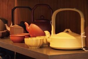 Le Camellia Sinensis店中除了售卖250种世界名茶之外,还提供各种茶具。
