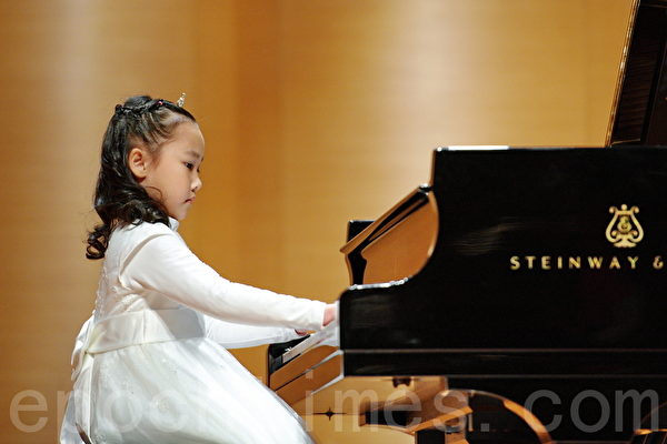 """新唐人""""儿少杯钢琴大赛""""台北初赛-A组17号林瑞辰(孙湘诒/大纪元)"""