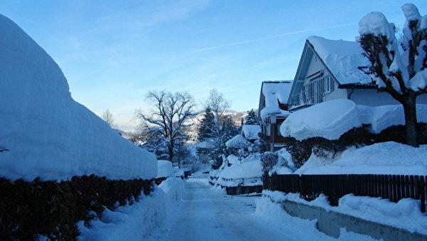 瑞士小鎮的雪(朱莉婭/大紀元)