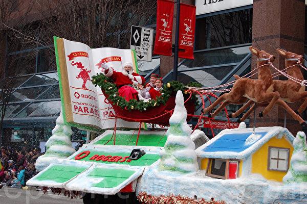 组图:给予祝福平安 30万人观温哥华圣诞游行