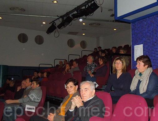 《自由中國》在比利時兩市同時放映 觀眾震撼