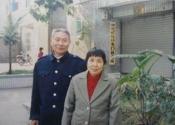 圖為江錫清和妻子。(明慧網)