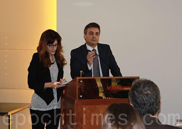DAFOH在欧洲地区的法律顾问,来自西班牙的卡洛斯•希门尼斯•伊格莱西亚斯(Carlos Iglesias Jimenez)在新闻发布会上的发言。(李景行/大纪元)
