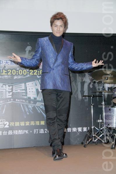 吴克群12月23日在台北出席记者会为大陆选秀节目造势。(黄宗茂/大纪元)
