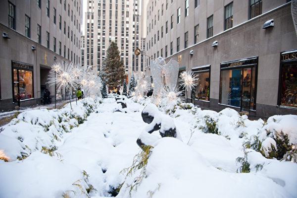 纽约遭受暴风雪袭击,罕见低温。(戴兵/大纪元)