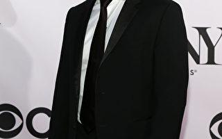 2013年6月9日,韩裔演员蒂姆•康出席第67届托尼奖颁奖礼。(Neilson Barnard/Getty Images)