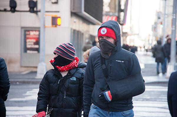 2014.1.7纽约遭遇20年一遇的低温天气。纽约时代广场。(戴兵/大纪元)