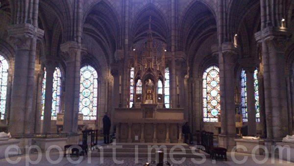 圣丹尼大教堂的后殿。(杨浩/大纪元)