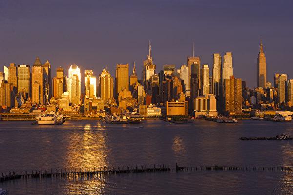 世界之都纽约热盼神韵。纽约曼哈顿之日落。(戴兵/大纪元)