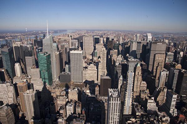 世界之都纽约热盼神韵。帝国大厦俯瞰曼哈顿。(戴兵/大纪元)